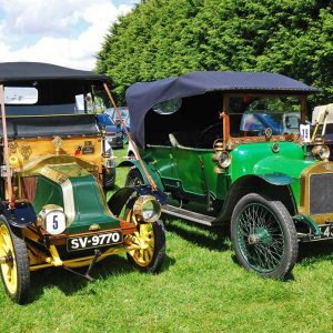 Veteran cars visit the LWR